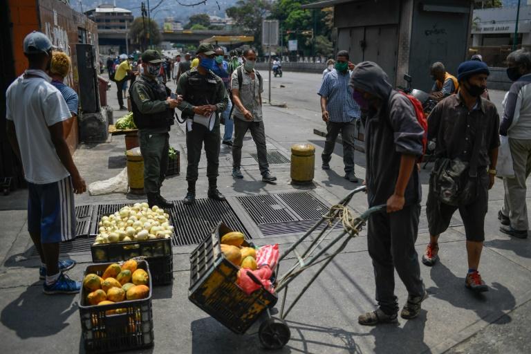 Petare: enorme barrio de Venezuela donde el hambre rompe la cuarentena -  Diario Chañarcillo